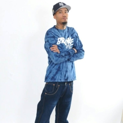 JAPAN CROSSED ARMS